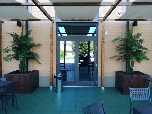 2 areca ingresso locale esterno