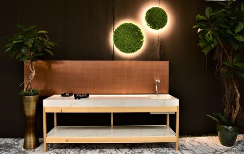 Ficus Elastica artificial plants + brass metal pot