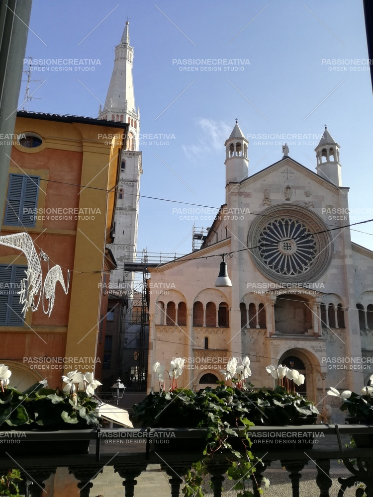 Duomo e Ghirlandina con balconiere